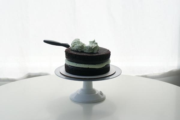 Crumb Coating a Cactus Cake