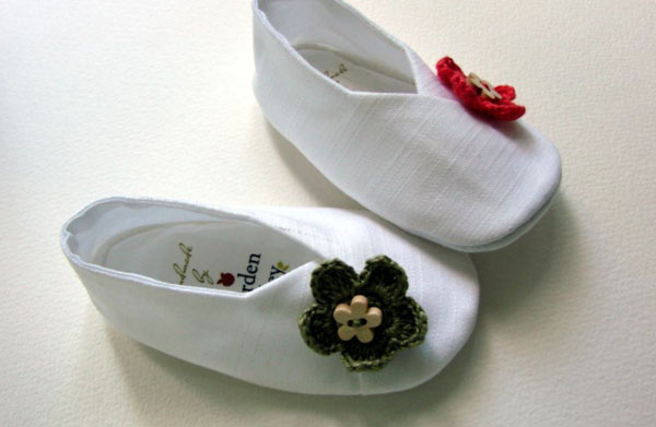 Little White Baby Kimono Shoes with Colored Flowers