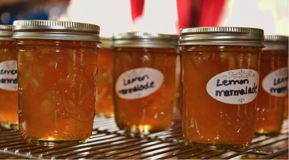 Lemon Marmelade in Many Labeled Mason Jars