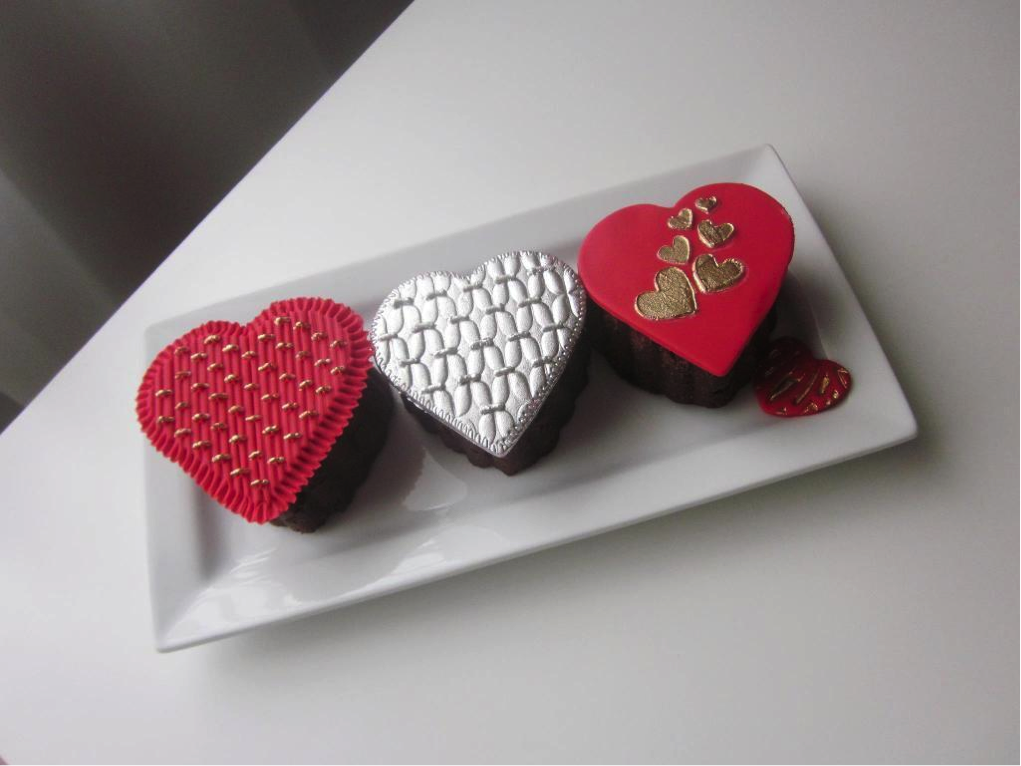 3 Heart Cupcakes with Metallic Frosting