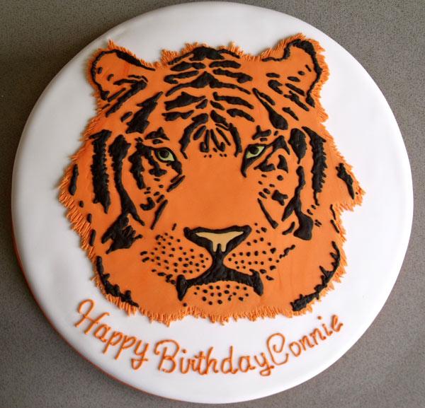 Very Fun Tiger Face Cake