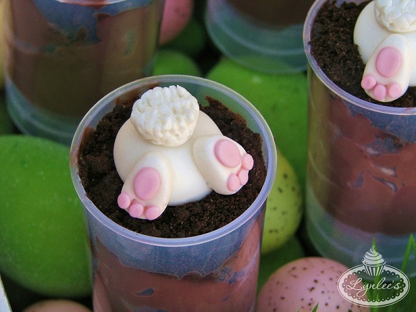 Fondant Bunny Bums Push Up Pop Fondant Topper