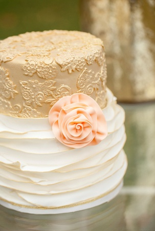 White Cake with Pink Rose