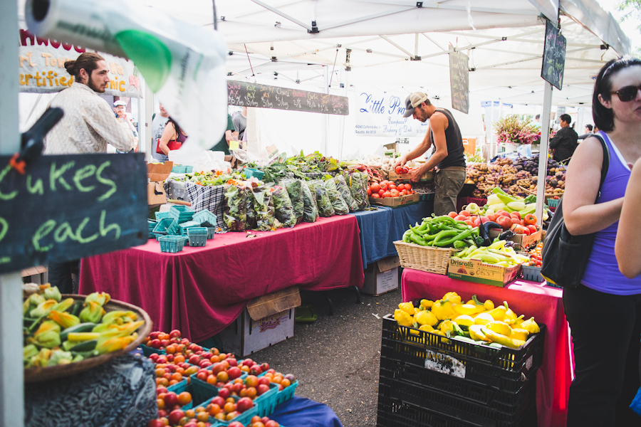 Farmers Market Stand Featuring Fresh Produce and Vegetables