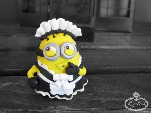 Fondant Minion in Classic Maid Uniform