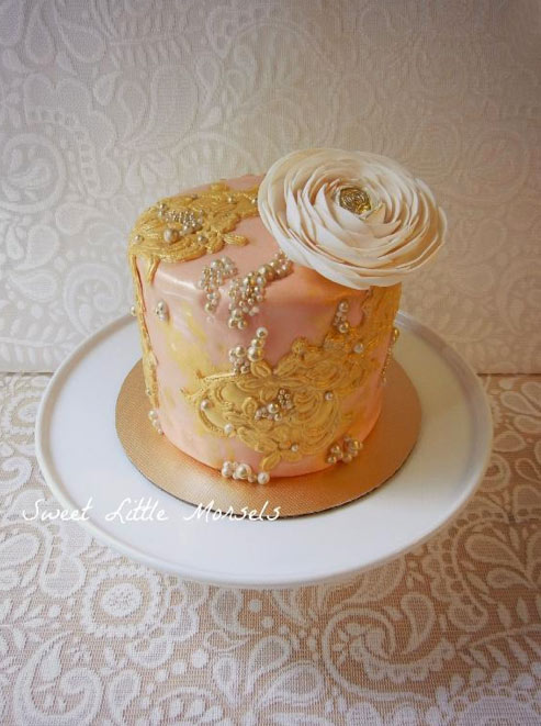 Peach-Colored Single Tier Cake with Pearls, Gold Lace and Rose