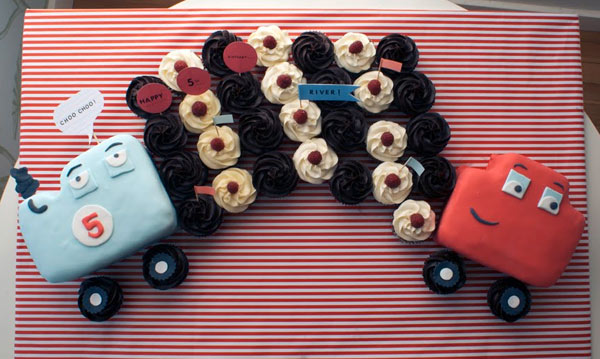 Cupcakes in Shape of a Train