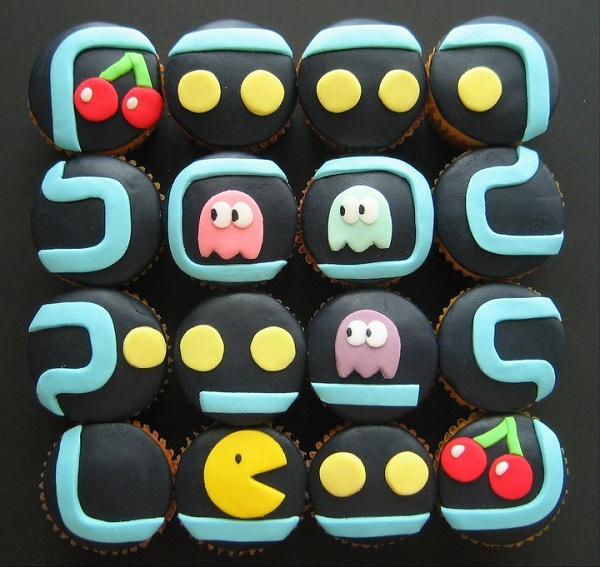 Packman-Themed Cupcakes
