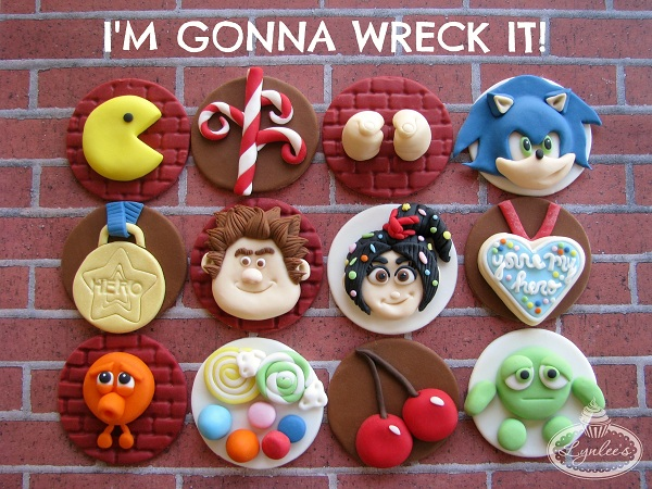 Cupcakes with Wreck-Ralph Fondant Toppers