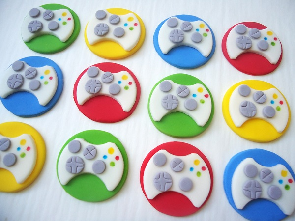 Cupcakes with Gaming Controller Fondant Toppers