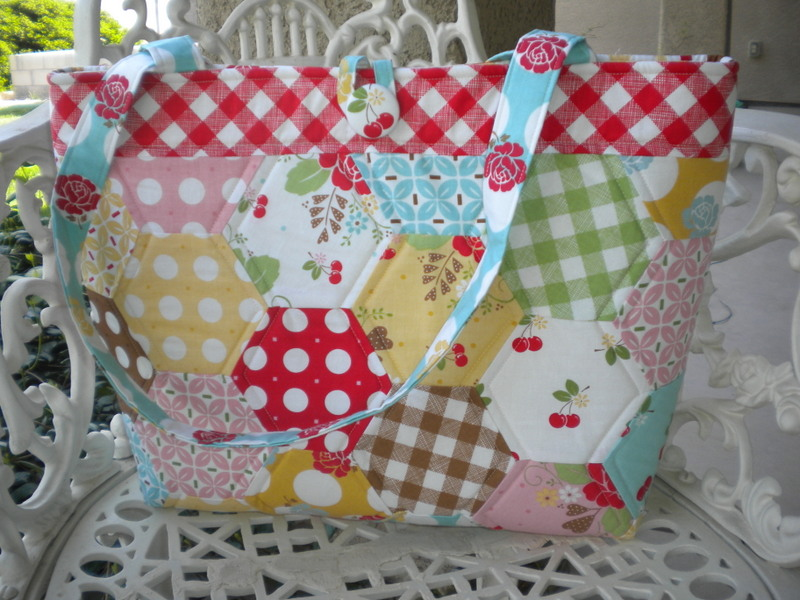 Tote with Hexagon Design, Color Pattern