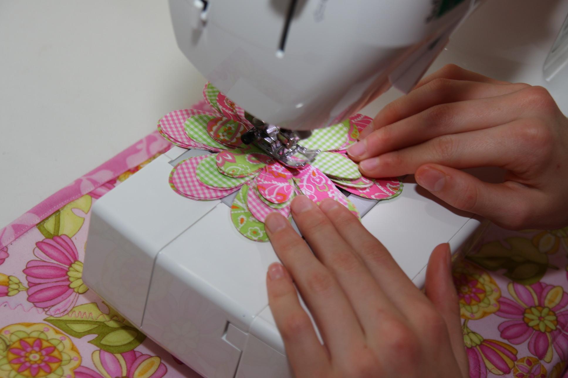 Machine Stitching the Flower