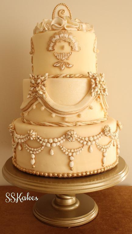 Cream-colored Wedding Cake with Fondant Decorating