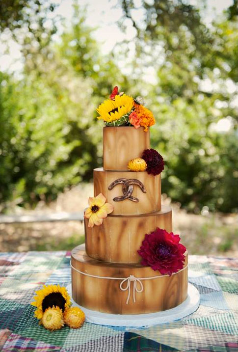 Wood-Textured Four-Layered Cake with Fondant Horse Shoes