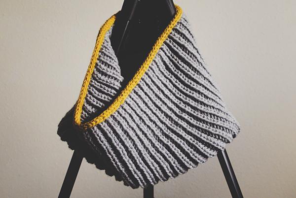 Brioche stitch cowl with i-cord bind off