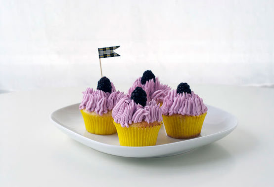 Cupcakes with Mauve Icing, Berry Toppers and Little Flag