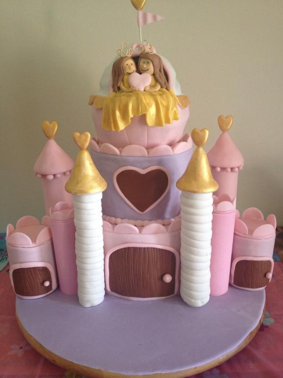 Twin Cake Featuring Two Princesses in Castle