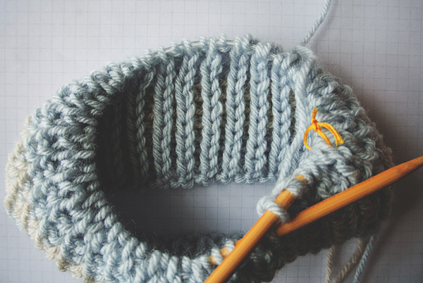Close-up of two-color half brioche stitch in the round wrong side
