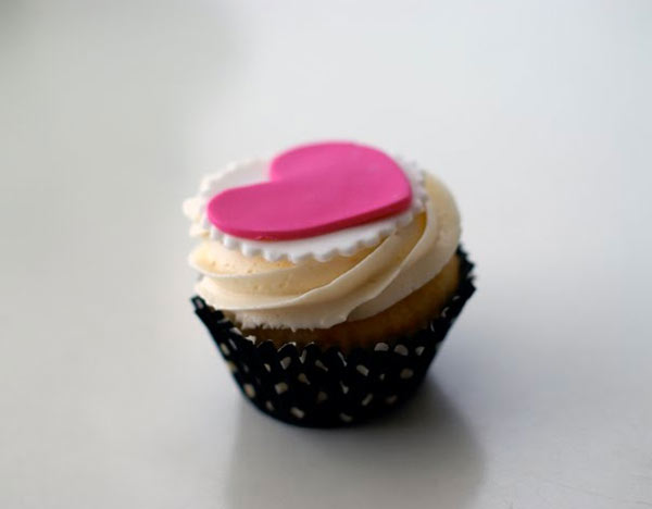 Mini Cupcake with Cream Frosting and Fondant Heart Topper