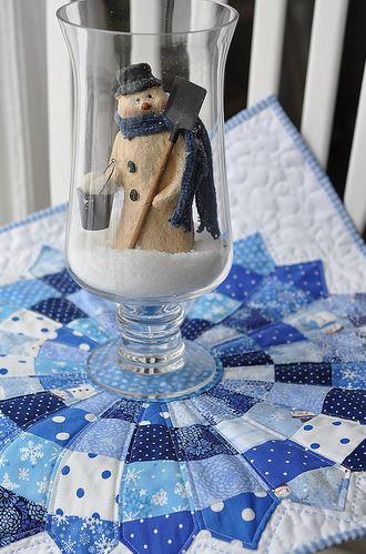 Dresden Plate Place Mat, Snowman in Glass on Top