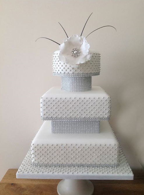 Square Tiered White Cake with Silver Drageés