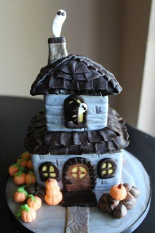 Two-Story Haunted House-Shaped Cake