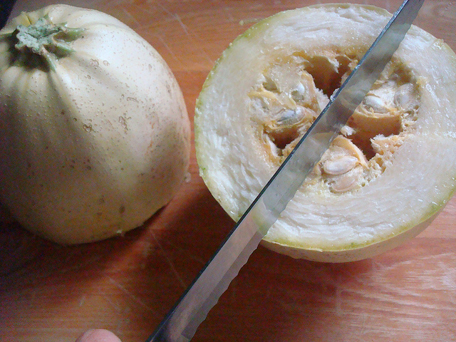 Cutting Spaghetti Squash Open