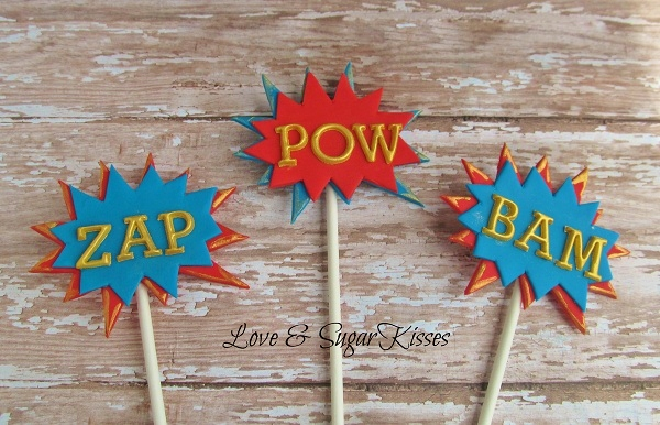 Superhero Comic Onamonapia Cake Pops