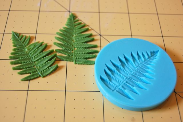 Fondant Mold and Fondant Leaves