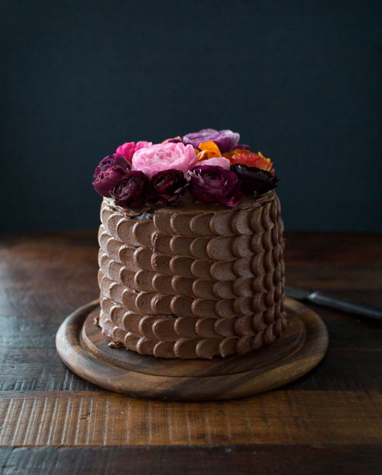 Chocolate Flower-Topped Cake