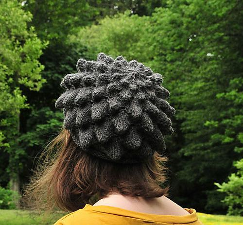 Chrysanthemum-Shaped Knit Hat on Bluprint