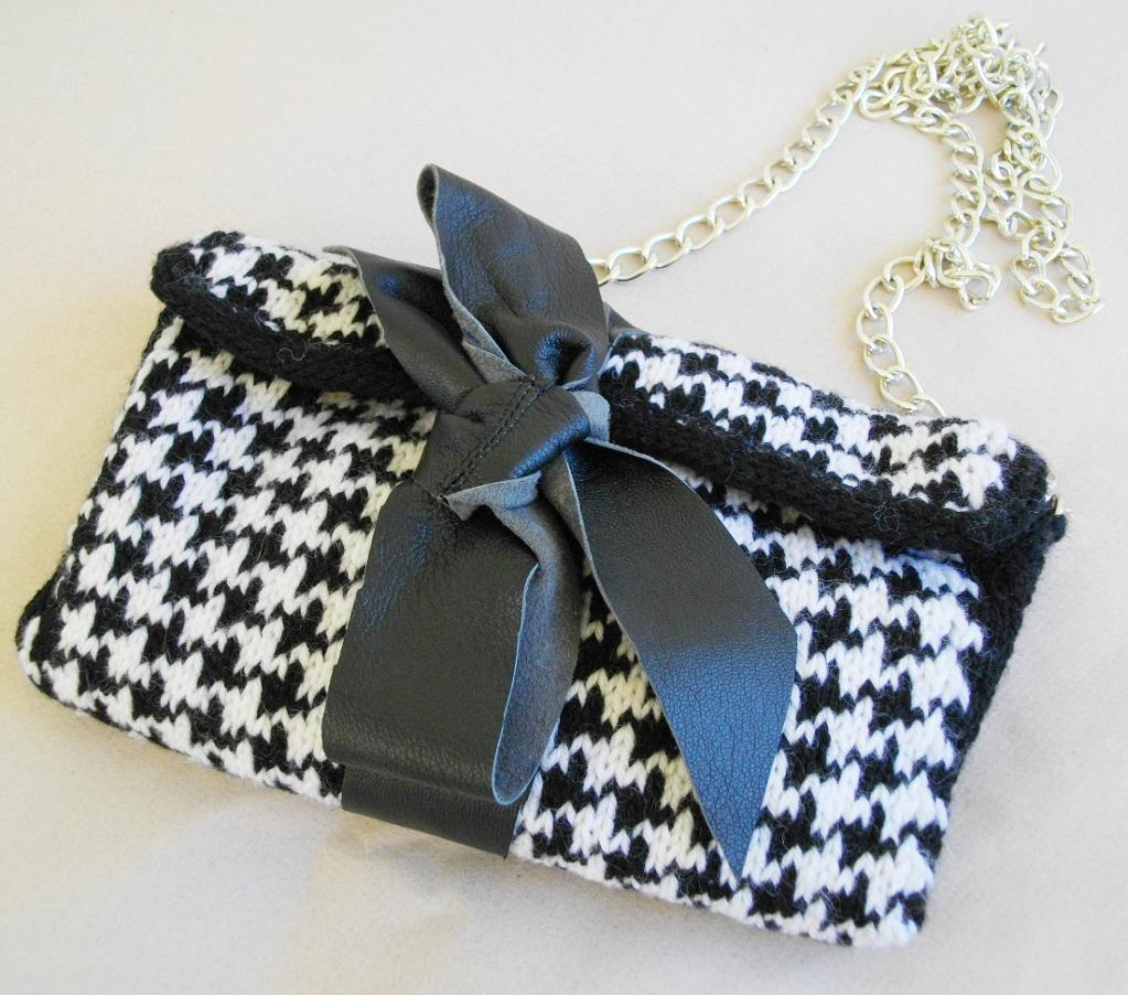 Houndstooth Knit Clutch