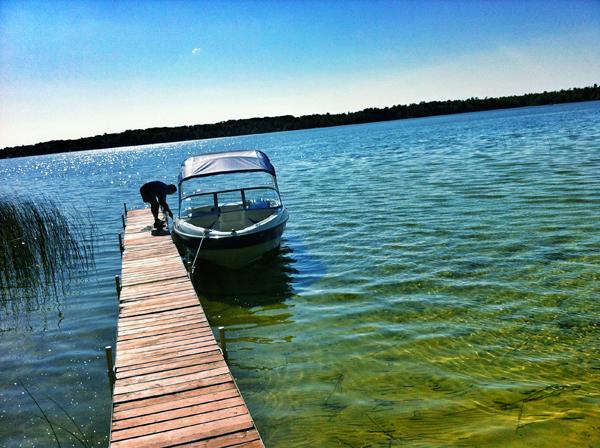 iPhone Photography: Beautiful Photo of Boat on Lake