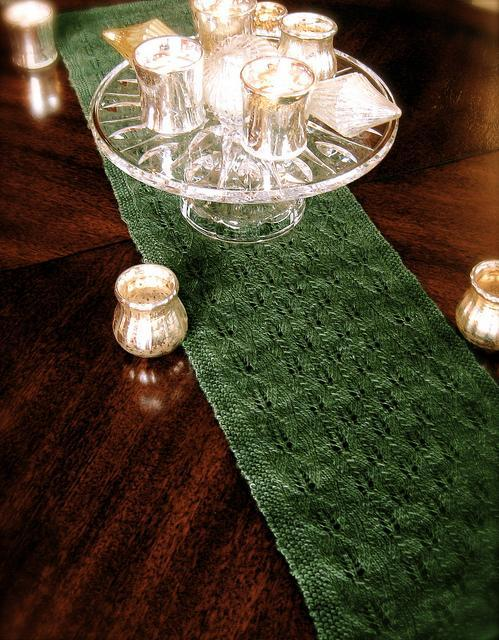 fir cone knit lace table runner