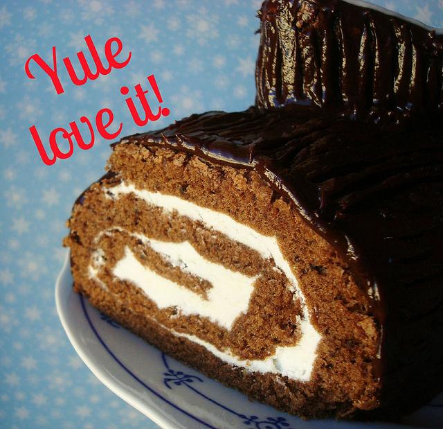 "Photo of Yule Log Cake Reading ""Yule Love it!"""