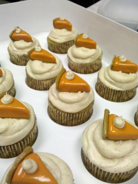 Fall Cupcakes Topped with Mini Slices of Pumpkin Pie