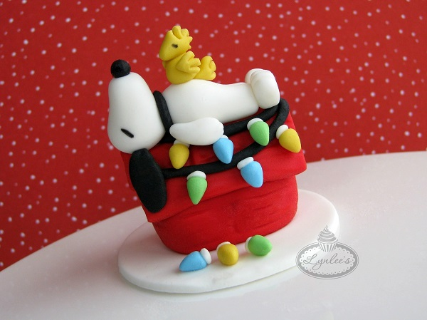 Fondant Topper: Snoopy Christmas