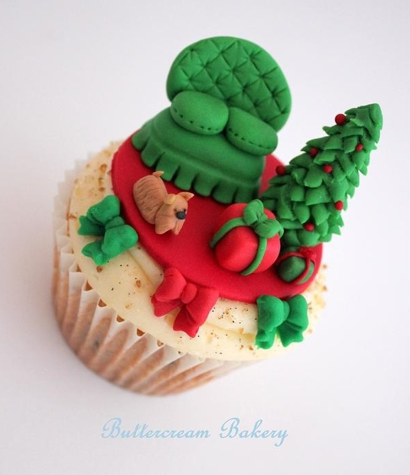 Cupcake Topped with Christmas Living Room Scene