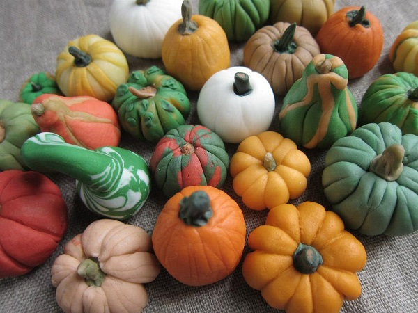 Pumpkin-Shaped Treats