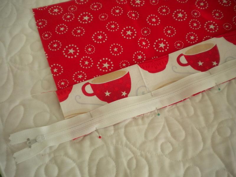 Pinning Zipper to Fabric - Pillow Finishing Techniques