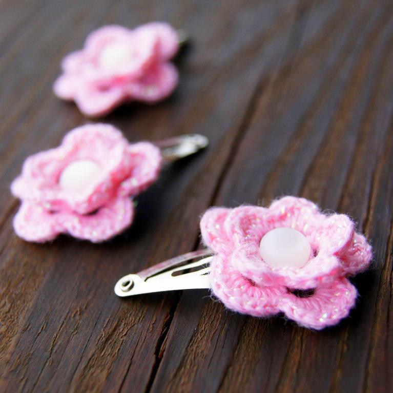 Crocheted Hair Clips, Pattern on Bluprint