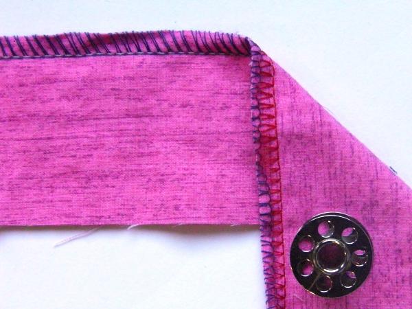 3 Thread overlock, lower looper to tight