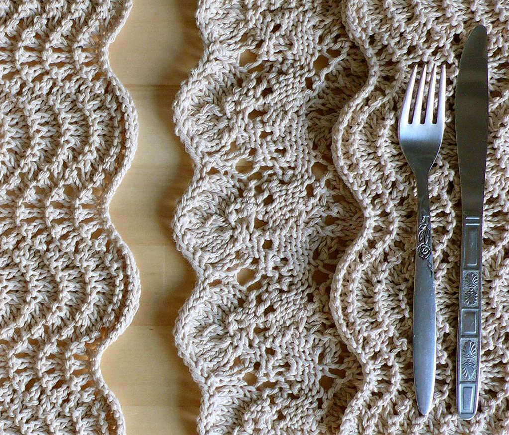 Knitted placemats