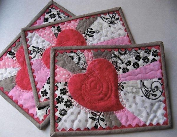 Heart Mug Rug - Pattern on www.craftsy.com