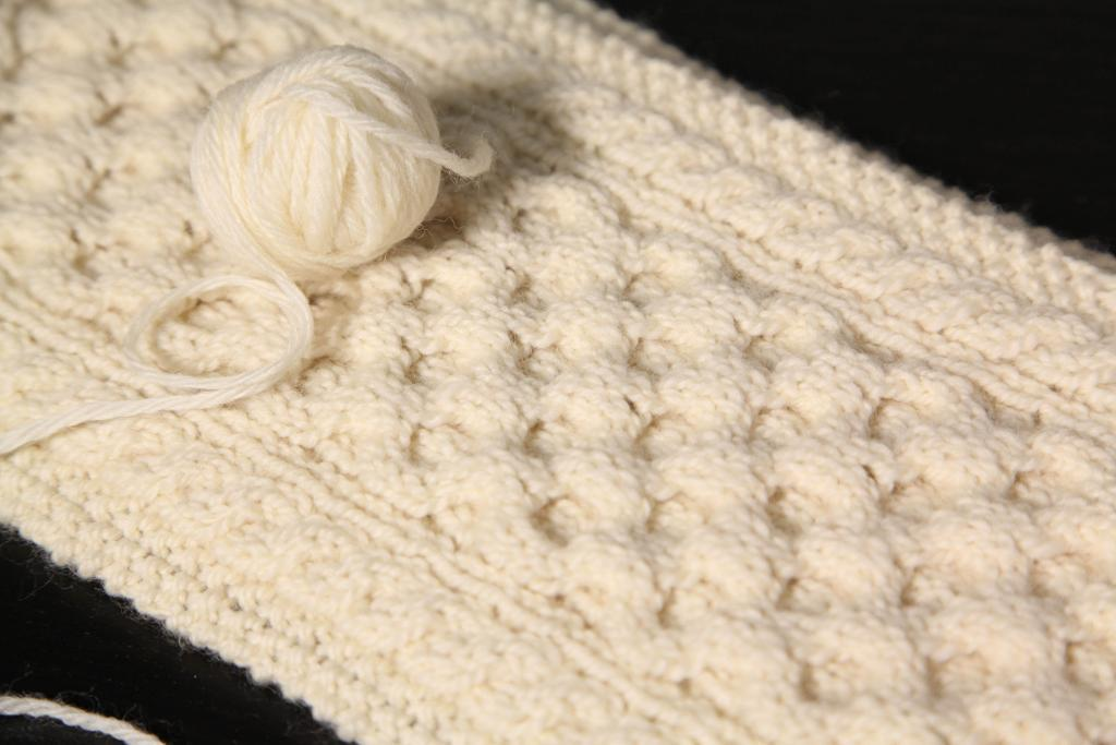Honeycomb cable scarf