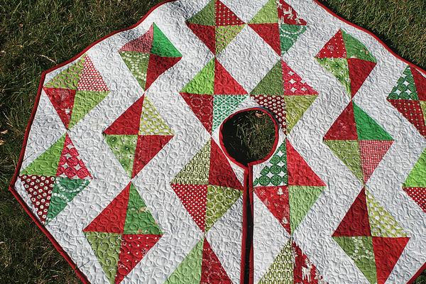 Free Christmas Quilted Tree Skirt Pattern - Bluprint