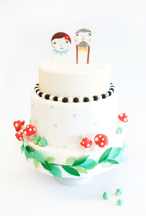 Cake with Illustated Couple Topper, Patterns