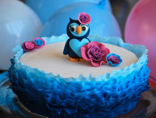 Little Owl on a Ruffled Cake