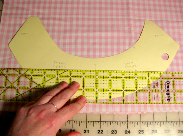 Measuring a collar - Fashion Sewing Techniques on Craftsy