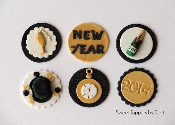 Fondant New Year's Cupcake Toppers - www.craftsy.com